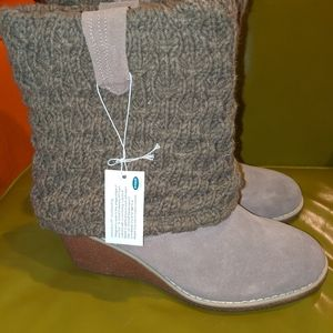 NWT Dr. Scholl's 9 1/2 tan wedge knit booties
